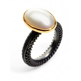 Oval Pearl Ring