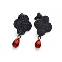 Embossed Quatrefoil Garnet Earrings
